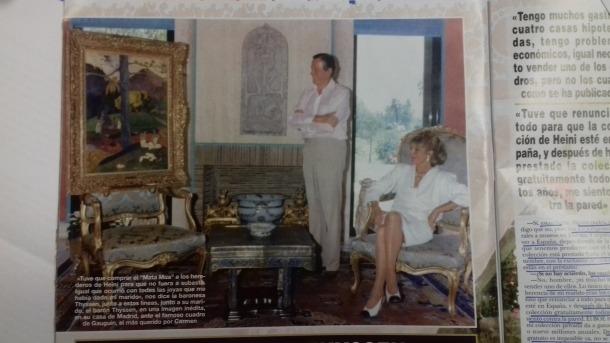 Heini Thyssen i Carmen Cervera contemplen 'Mata Mua' al seu domicili madrileny, en una fotografia inèdita publicada per '¡Hola!'.