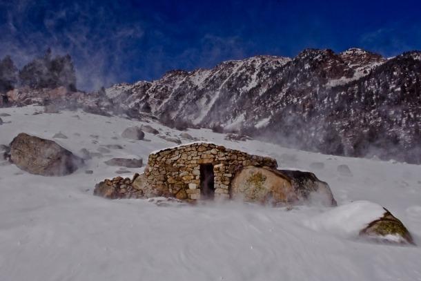 Cabana de l'Estall Serrer, a la vall del Madriu.
