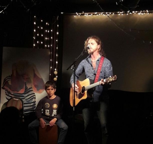 El pop folk de Sergi Blanch s'endú el concurs de la Fada i Pali esgarrapa un quart lloc