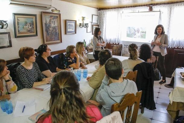Els participants en la jornada sobre disfàgia al restaurant Cal Manel, ahir a la tarda.