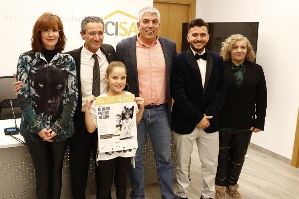 Jordi Barceló, al centre, amb Ester Peralba, Molly Puigcercós i el conseller Salomó Benchluch. A la dreta, Christian Aguilar.