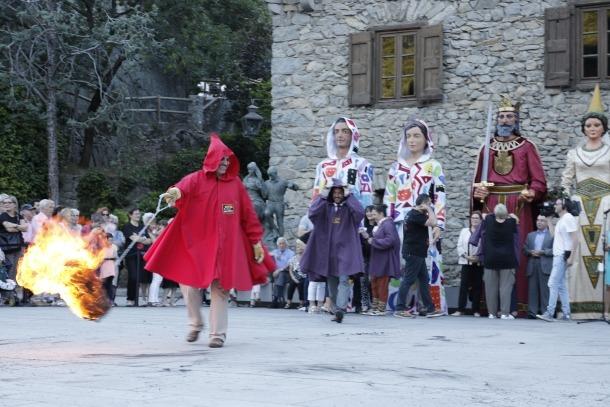 Andorra, falles, festes del foc, flama del Canigó, Albert Roig, Fallaires, Joan Reguant, fer rodar el foc