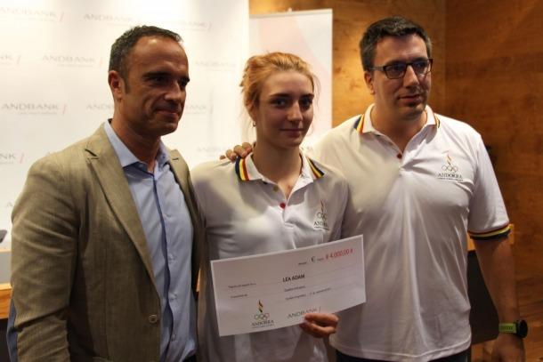 El COA i Andbank premien la medallista Léa Adam amb un xec de 4.000 euros