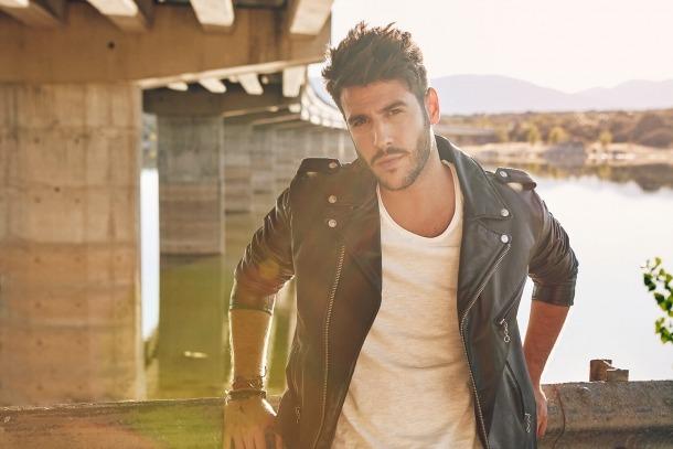 Antonio José, en una fotografia promocional per la publicació del nou disc.