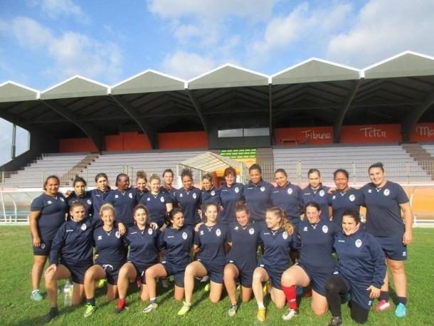 L'andorrana Nadia Olm, la segona per l'esquerra part inferior, amb la selecció francesa de rugbi a 13.