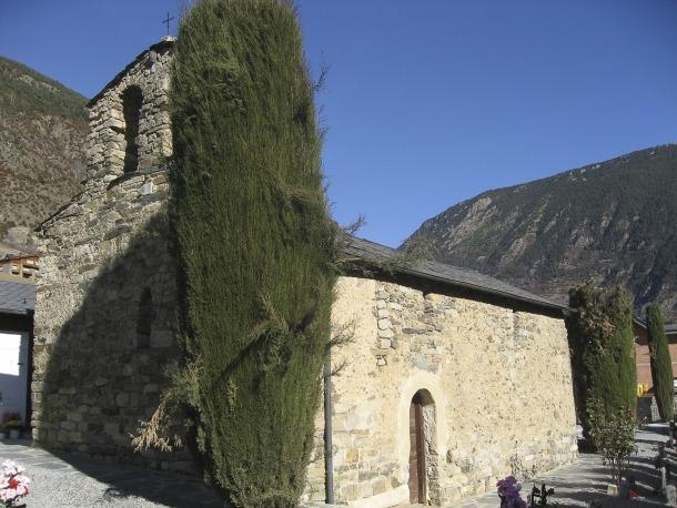 L'església de Sant Marc i Santa Maria d'Encamp és el tercer monument que veu aprovat el seu entorn de protecció des del 2013.