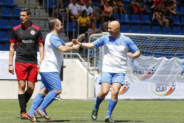 Els jugadors de la Gramenet celebren el gol en la final contra el Monkey Team.