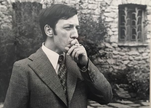 'La meva obra és Andorra' inclou un suculent àlbum fotogràfic amb escenes com la tonsura, a finals anys 50, i de l'etapa com a secretari de Sindicatura, a mitjans 70.