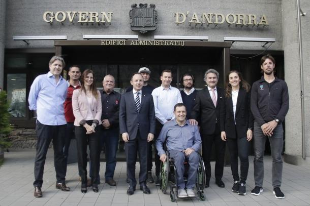 Els 'dakarians' andorrans van rebre un homenatge institucional a Govern.