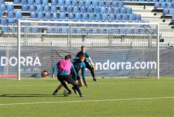 L'FC Andorra, a Prada de Moles.
