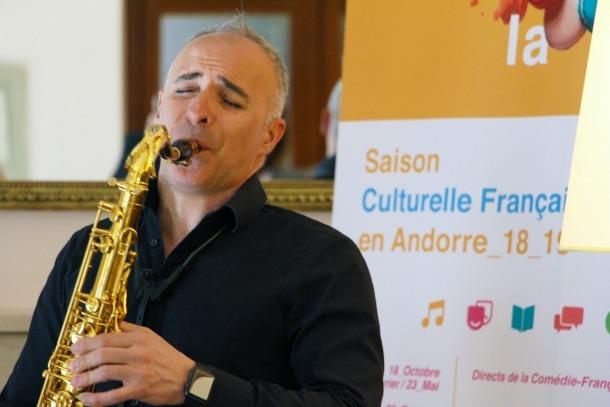 El director artístic del Sax Fest, Efrem Roca, va presentar ahir el concert de Les Désaxés
