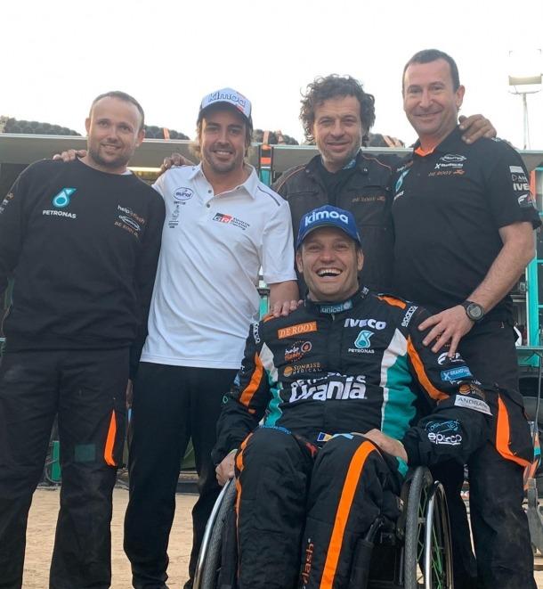 Llovera va rebre la visita de Fernando Alonso al final de la vuitena etapa.