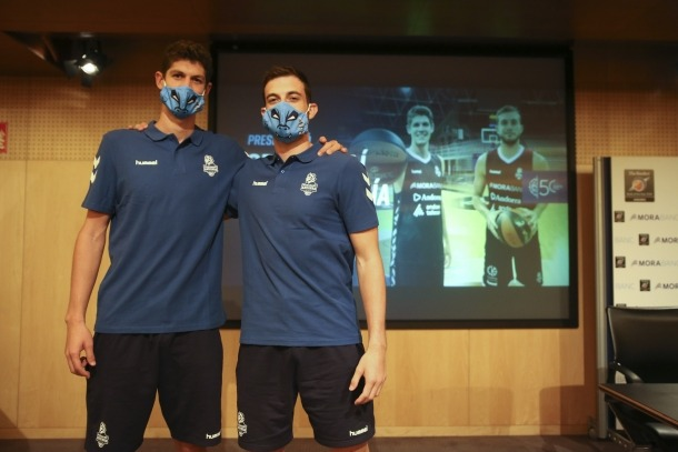 El BC MoraBanc Andorra va presentar ahir Oriol Paulí i Sergi García.