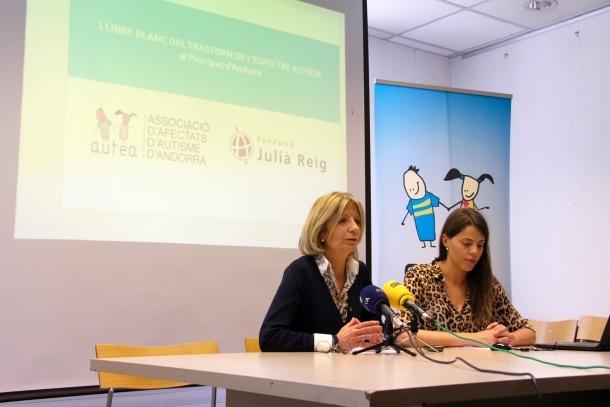 Inés Martí i Carolina Pastor durant la roda de premsa, ahir.
