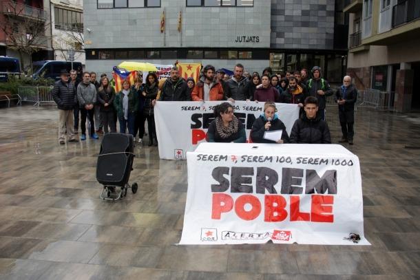 La concentració convocada pel CDR de suport als activistes.