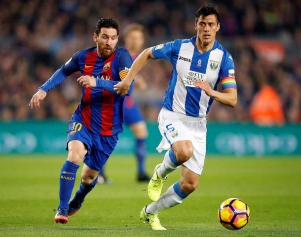 Martin Mantovani, amb el Leganés, defensant al seu compatriota, Leo Messi. Foto: Twitter
