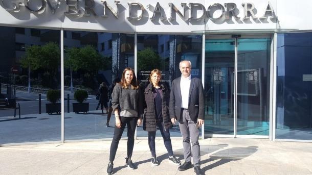 Àlvarez, Grau i Cortesao parlant d''e-administració' ahir a Sant Julià de Lòria.