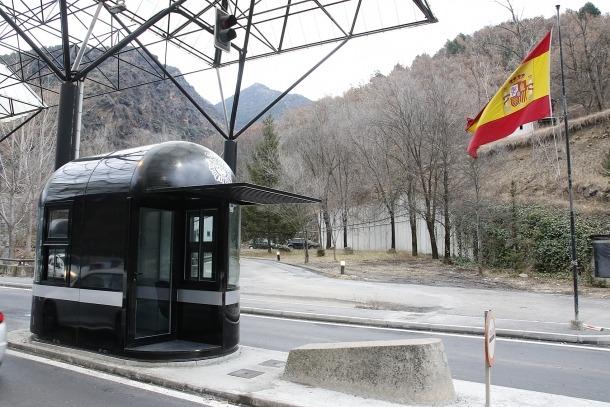 Els viatgers que a partir de divendres entrin a Espanya hauran d'observar catorze dies de quarantena.