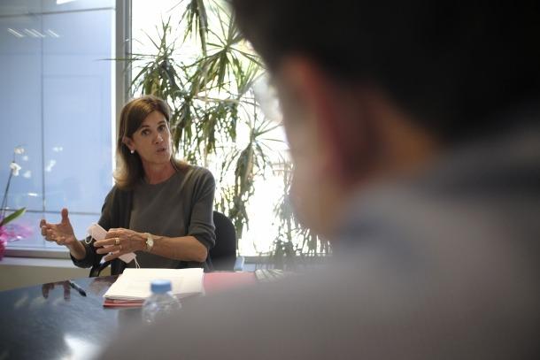 La ministra d'Educació, dijous passat, atenent al despatx de Sant Julià les preguntes d'aquest diari.