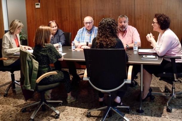 Representants sindicals en una reunió anterior amb la ministra.