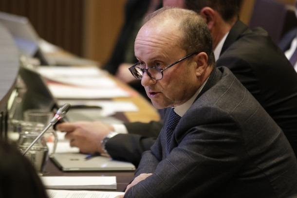 El ministre de Justícia i Interior, Josep Maria Rossell, ahir durant la sessió de control.