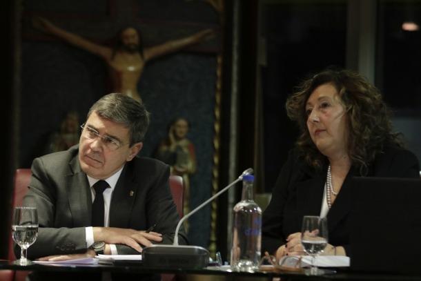 Els consellers de la minoria, Albert Torres i Dolors Cabot, en una imatge s'una sessió anterior, pre-Covid.