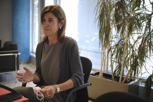 """La ministra d'Educació, Ester Vilarrubla, es declara """"preocupada"""" perquè els escolars perdin el sentit d'identitat."""