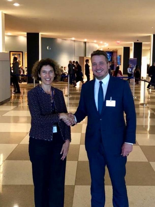 Ubach i Thordarson es van reunir a la seu de les Nacions Unides.