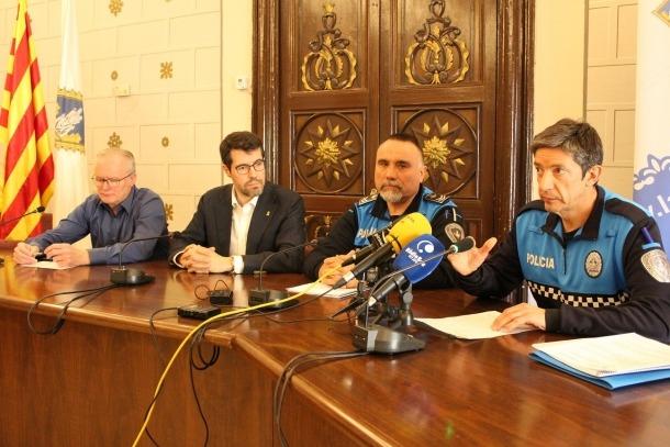 Un moment de l'acte en què es va presentar el nou cap de la policia municipal de la Seu d'Urgell.
