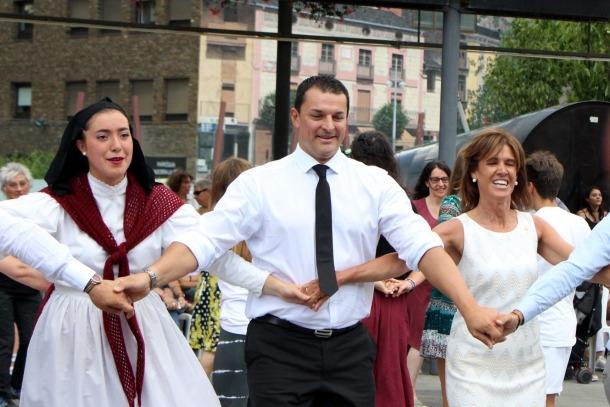 El ministre Jordi Gallardo, durant el ball del Contrapàs.
