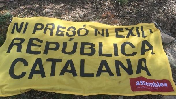 Una de les pancartes que es va treure en una de les etapes andorranes de la Vuelta.