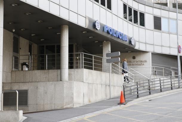 Els dos joves estan arrestats a l'edifici central de la policia