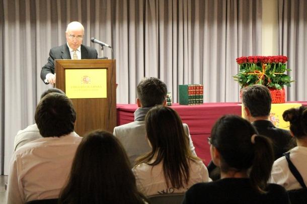 L'ambaixador Manuel Montobbio presenta l'acte de lectura pública