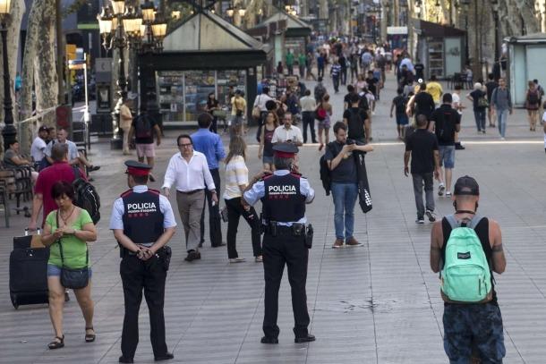 Vives expressa el condol al rei d'Espanya, al president de la Generalitat i a l'alcadessa de Barcelona Vives expressa el condol al rei d'Espanya, al president de la Generalitat i a l'alcadessa de Barcelona