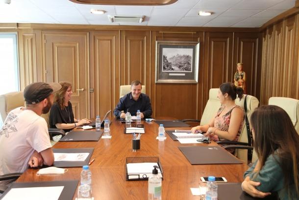 Reunió entre els cònsols i els representants de l'associació.