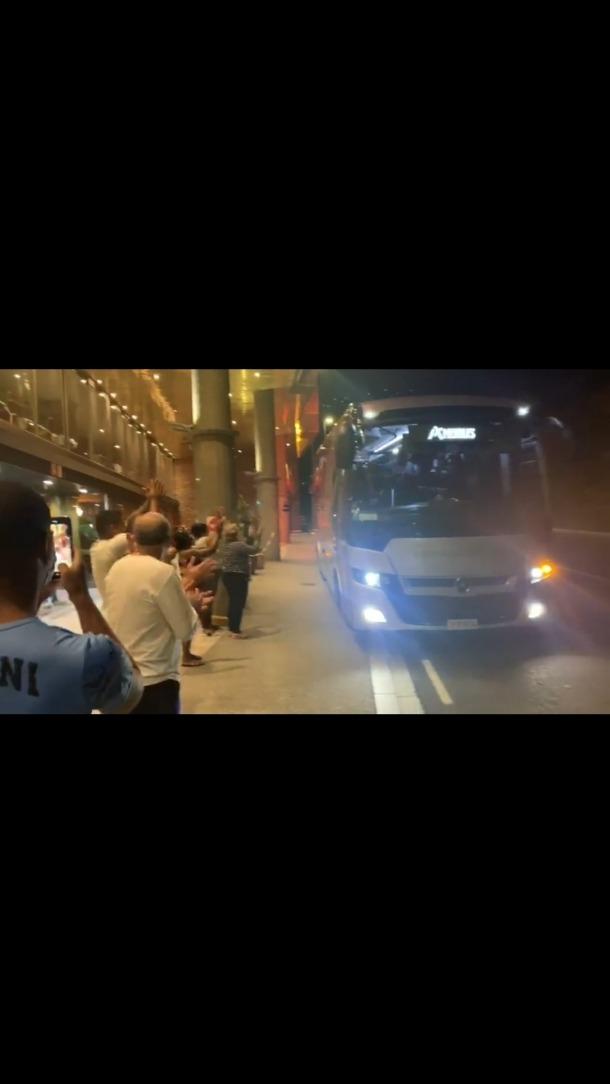 Els sanitaris cubans en el moment de marxar.
