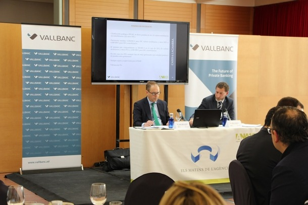 ANA/Un moment de la ponència dels advocats i socis del bufet Cases&Lacambra, Jose María Alfin (esquerra) i Marc Ambrós.