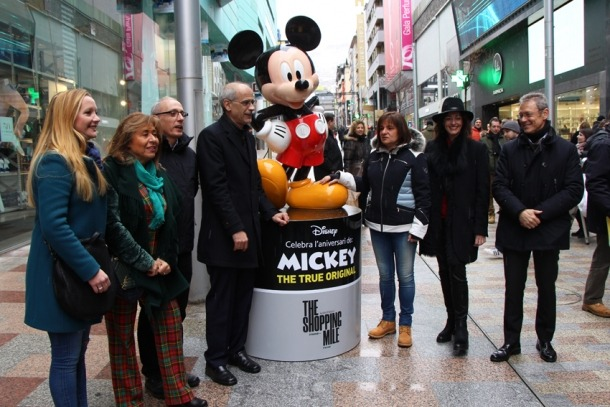 Fins i tot el cap de Govenr i el candidat de DA a les pròximes generals, Xavier Espot, es van apuntar ahir a la inauguració de The Shopping Mile.