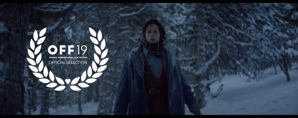Fotograma de 'Le Blizzard' amb la mosca de la selecció oficial a l'Odense International Film Festival.