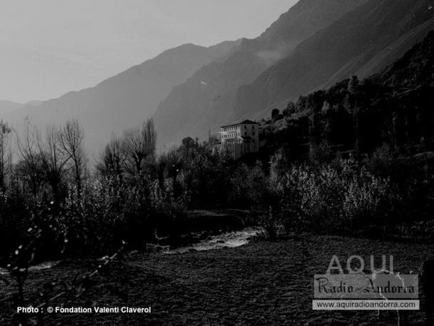 Vista del roc de les Anelletes, on a principis dels anys 40 es van traslladar els estudis de Radio Andorra.