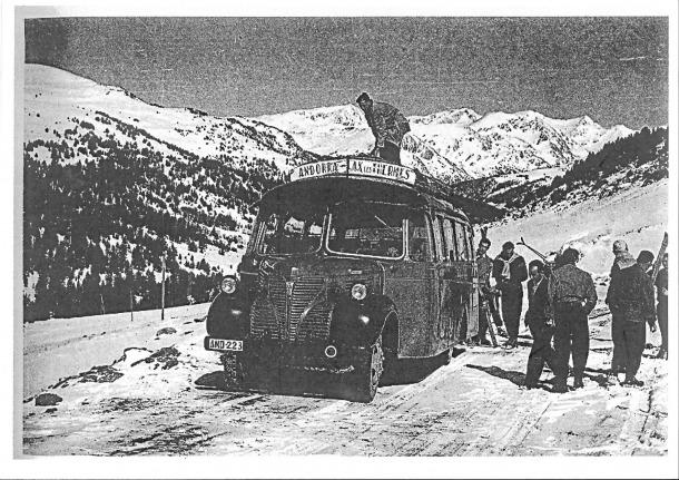 El Fargo matrícula AND 223, germà del de Fontaneda, i que també feia la línia d'Andorra la Vella a l'Ospitalet i Acs-dels-Tèrmes que van obrir Cassany i Arrajol i que als primers anys 50 es va integrar a la Hispano Andorrana.