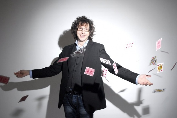 L'il·lusionista espanyol Isaac Jurado actuarà el 21 de setembre a l'auditori del Palau de Gel, en la primera jornada del festival.