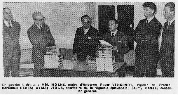 27 de novembre del 1967: inauguració d'Editorial Andorra, amb Bartomeu Rebés i Jaume Aymà, al centre, a la casa Guillemó de la capital.
