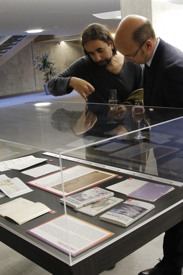 Díaz-Torrent, a l'exposició sobre James Kirkup al Consell General: és el coautor, amb Manel Gibert, del volum que en prepara el ministeri de Cultura.