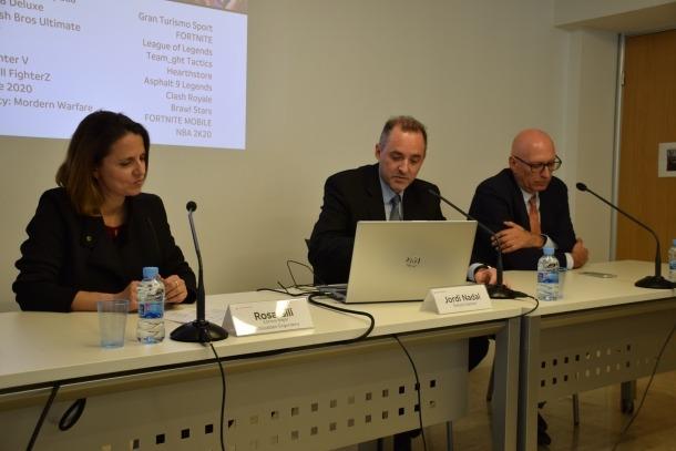 La cònsol major d'Escaldes-Engordany, Rosa Gili, el director general d'Andorra Telecom, Jordi Nadal, i el rector de la Universitat d'Andorra, Miquel Nicolau.