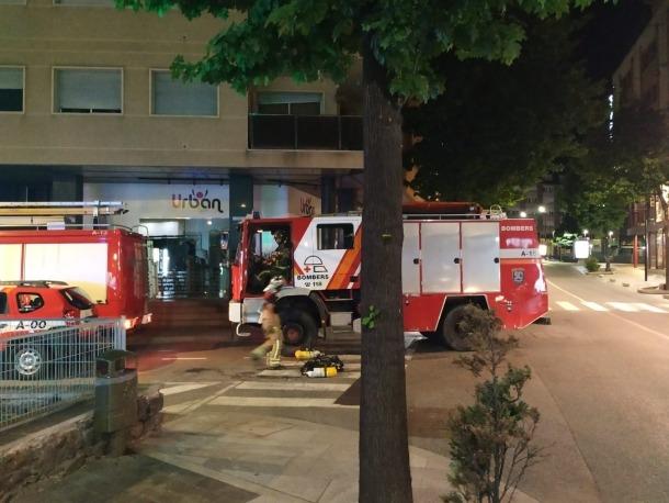 Dues persones van resultar ferides greus en l'incendi.