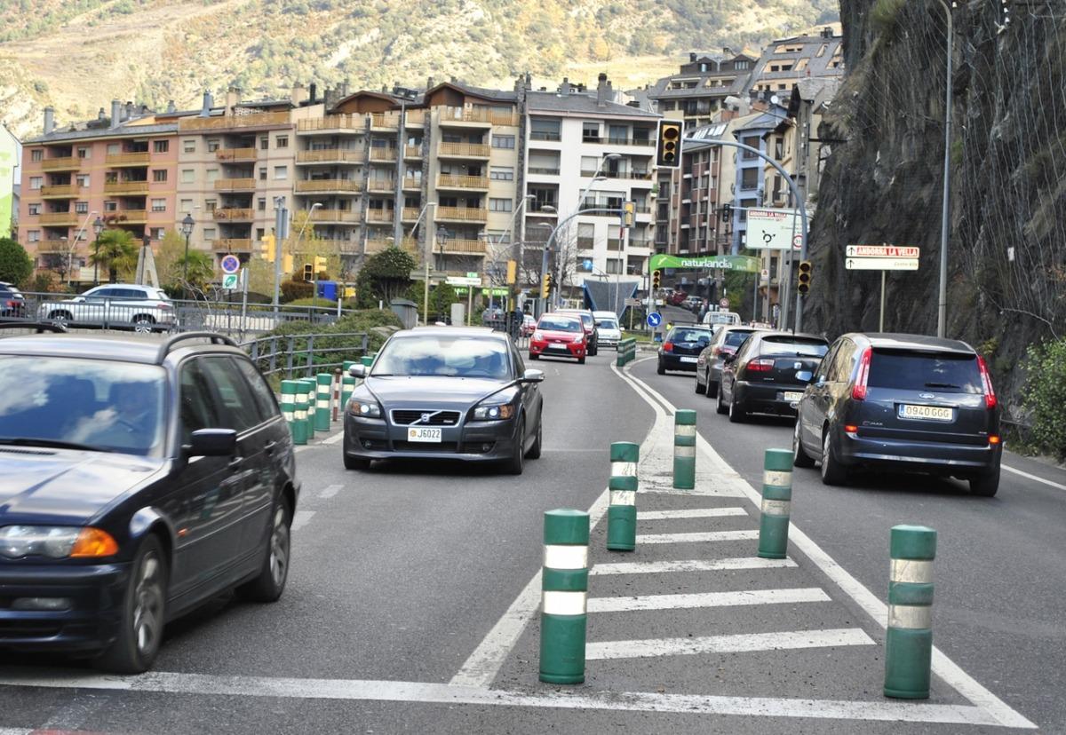 El 2016 van entrar al país un 2,6% més de vehicles