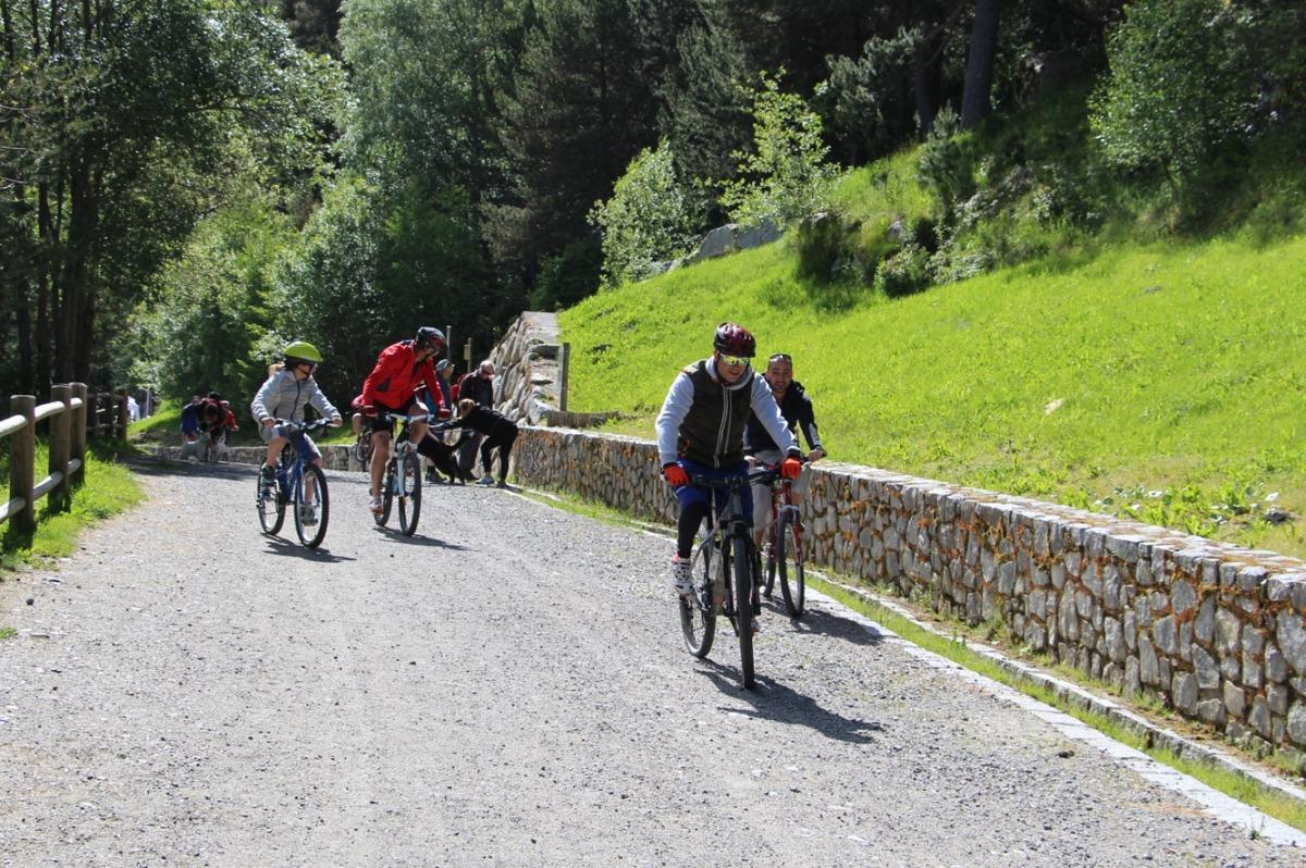 Encamp organitza el cap de setmana una bicicletada i una trobada de ball en línia