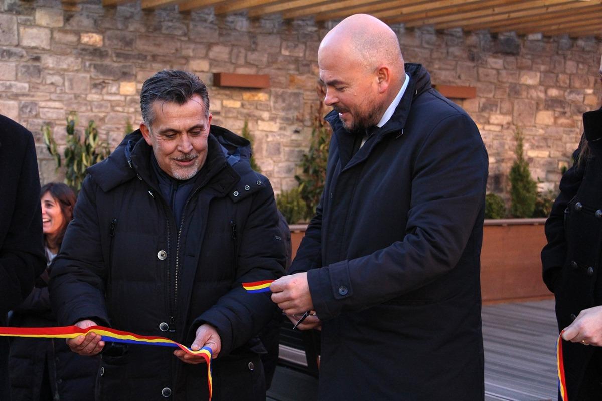 Inaugurada la remodelació de part del passeig de Mojácar