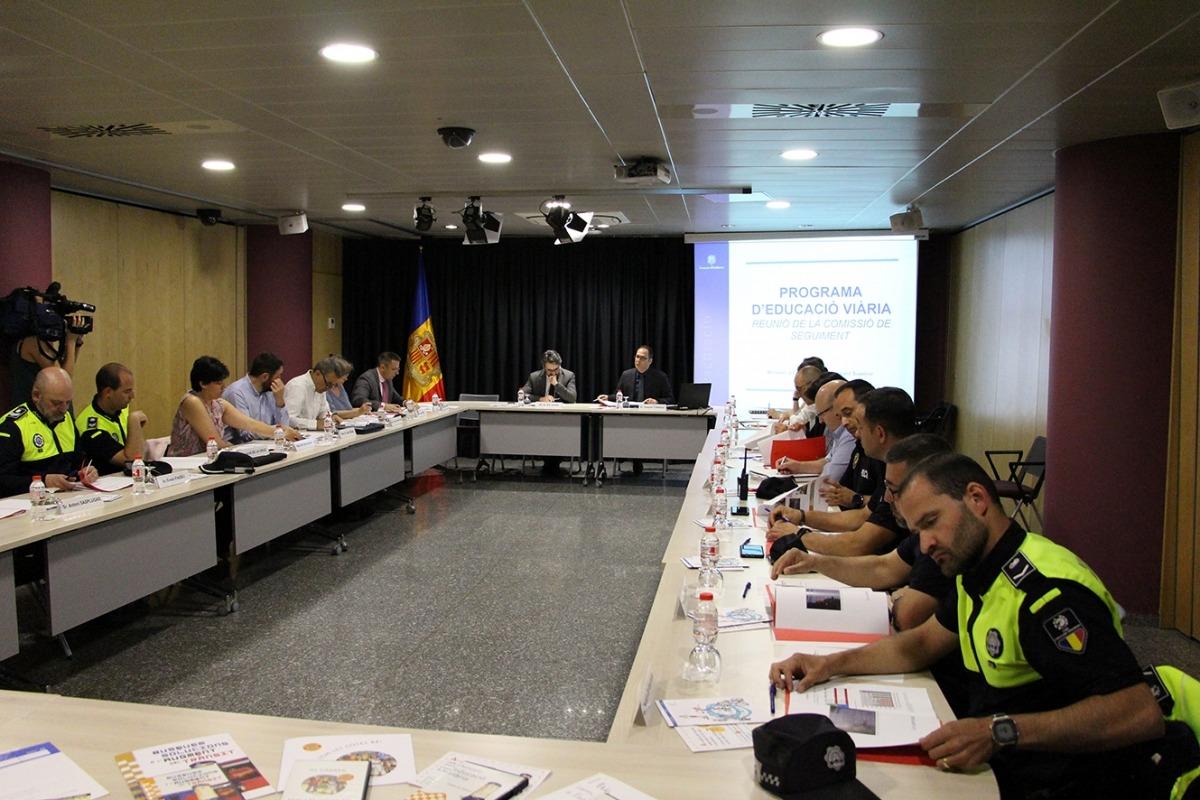 Participants a la reunió del Programa d'Educació Viària, ahir.